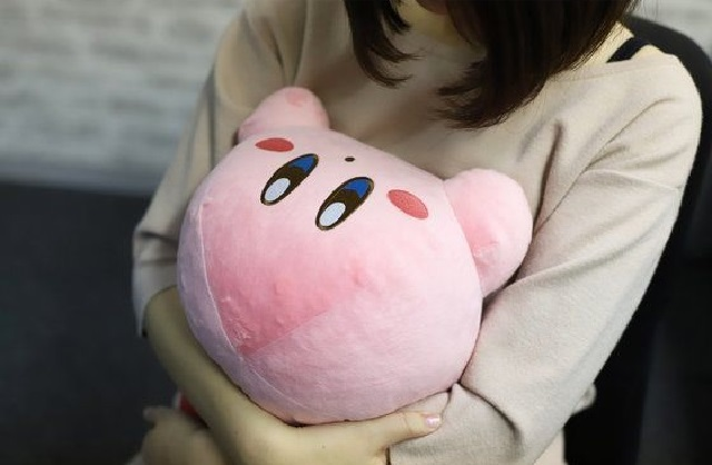 Nintendo's Kirby is ready to warm your body and heart as a USB heater plushie【Photos】
