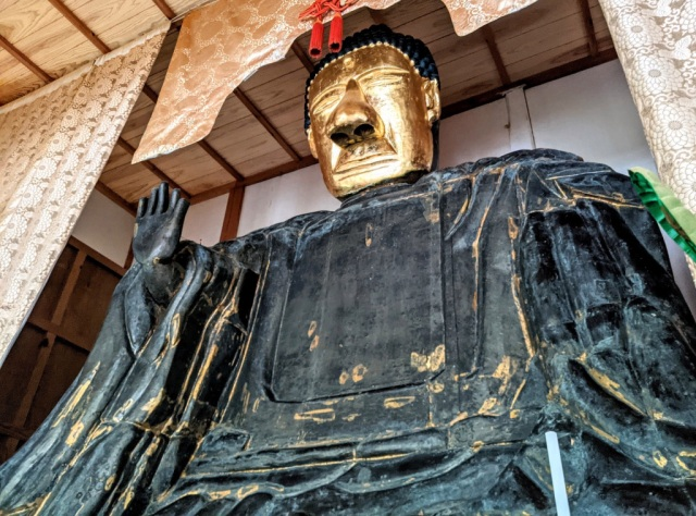 "We visit the Giant Buddha statue that our reporter dubs ""kawaii"" and ""like a mascot character"""