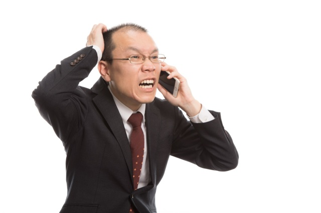 Japanese office worker accidentally calls angry customer stupid, things turn out surprisingly well