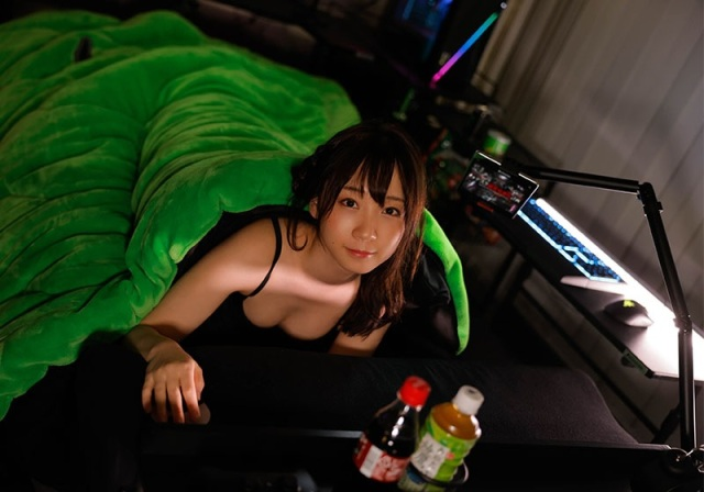 Japanese gaming blanket is here to keep you warm through your gaming winter vacation【Photos】
