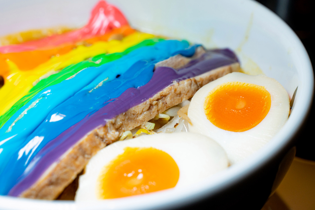 , <b> Japan introduces &#8216;rainbow ramen&#8217; to add some color to your grey life </b>