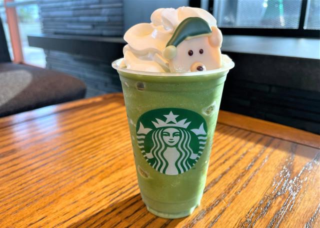 Starbucks customisation in Japan is beary kawaii