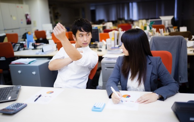 Eight things people realized were pointless about Japanese work culture during 2020