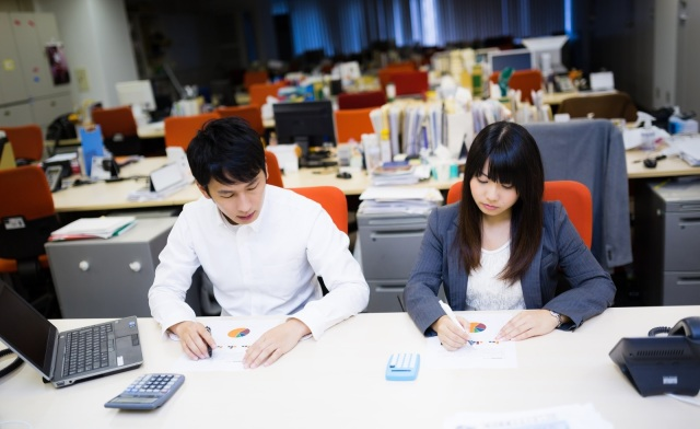 Woman in Japan disciplined after putting up partition between herself and older male coworker