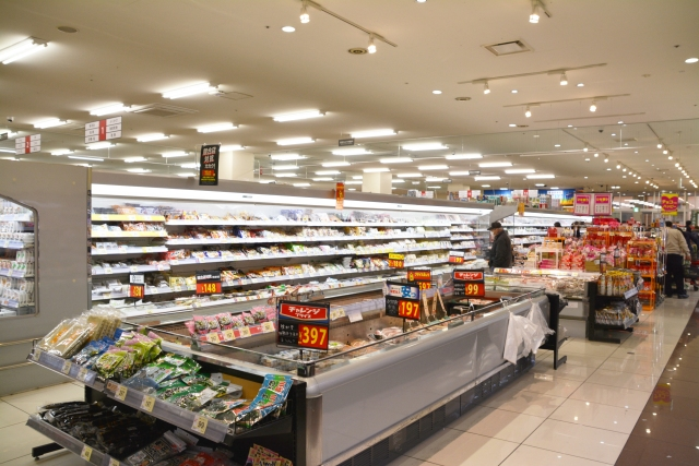 "Here's why Japanese supermarkets play ""cheap"" background music all day, according to Twitter"
