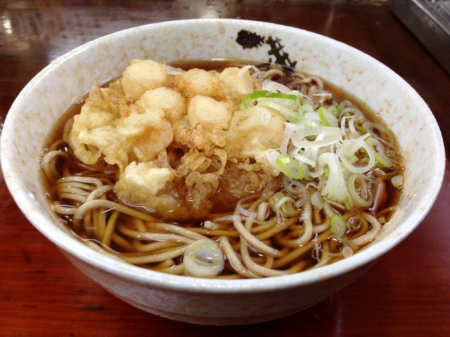 We serve a hot dish of the five best stand-and-eat soba restaurants in one area of Tokyo