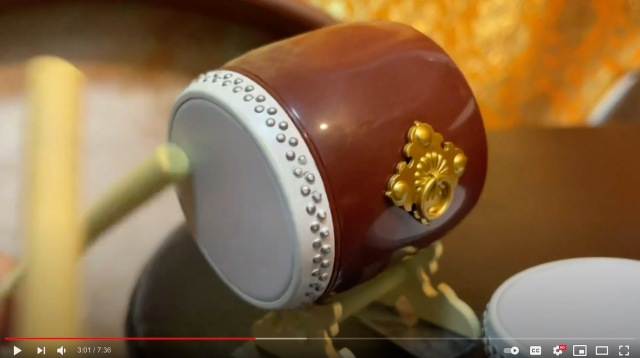 Drummer wows Internet with miniature taiko gacha capsule toy performance 【Videos】