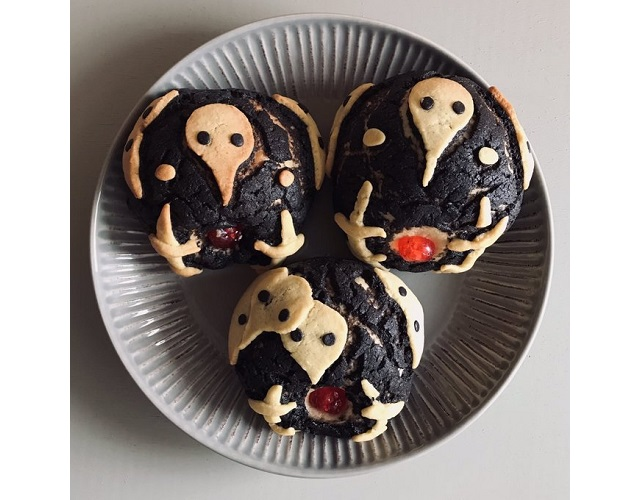 Evangelion in the kitchen! Fan chef bakes Fourth Angel core pastries with cute crimson cores【Pics】