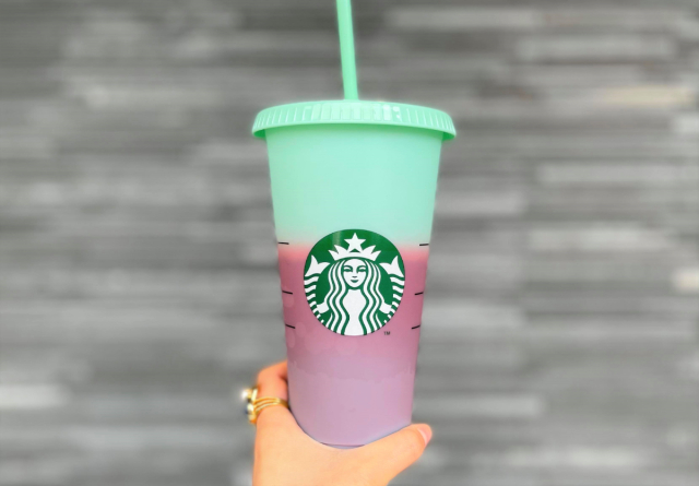 What's the deal with the big colour-changing cup at Starbucks Japan?