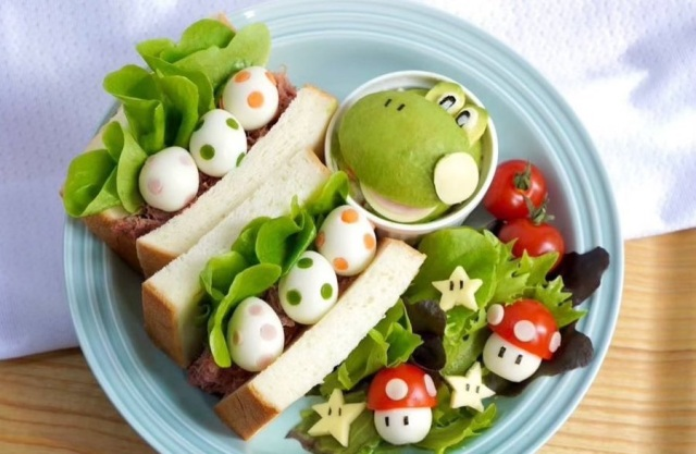 Culinary cosplayer shows how to make a Super Mario Yoshi egg sandwich