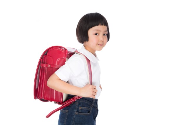 "Why do kids in Japan use those large leathery ""randoseru"" school bags?"