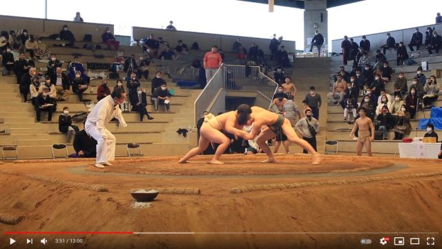 """High school students rapidly losing interest in sumo teams because too """"painful,"""" """"scary,"""" and """"naked"""""""