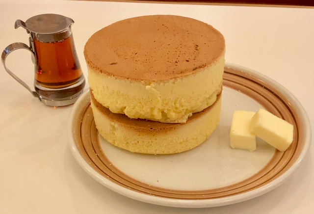 We visit a Japanese cafe famous for John Lennon and epic pancakes