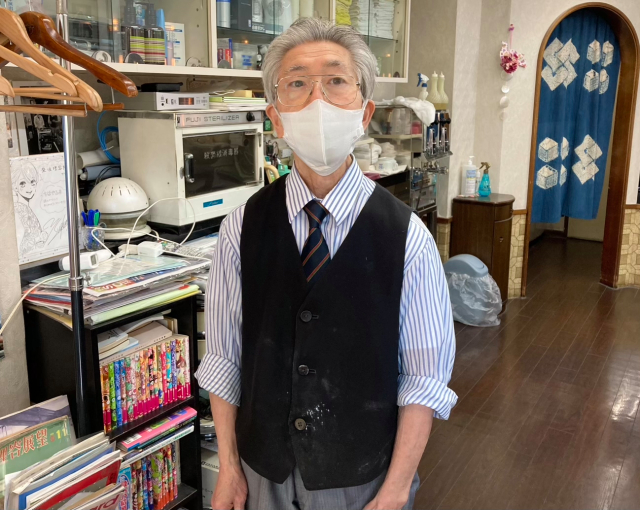 What it's like to get a haircut at Japan's oldest barber shop