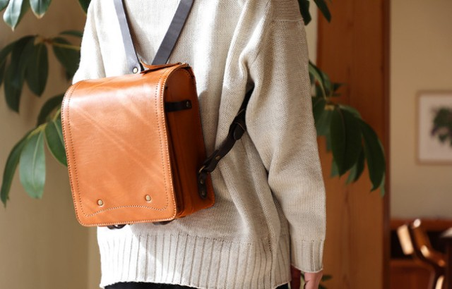 "Japanese elementary school ""randoseru"" bag brand creates Showa-inspired line for adults"