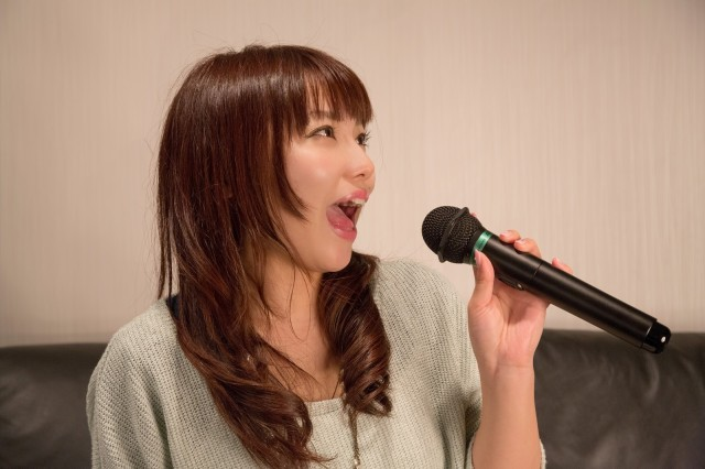 Here's what Japanese netizens think of the U.S.'s top 20 most-picked karaoke songs