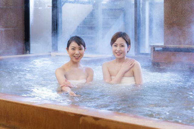 Japanese sento bathhouse creates genius system to show how busy the baths are