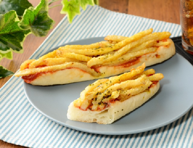 Lawson Japan serves up carbs on carbs with their new French Fry Bread