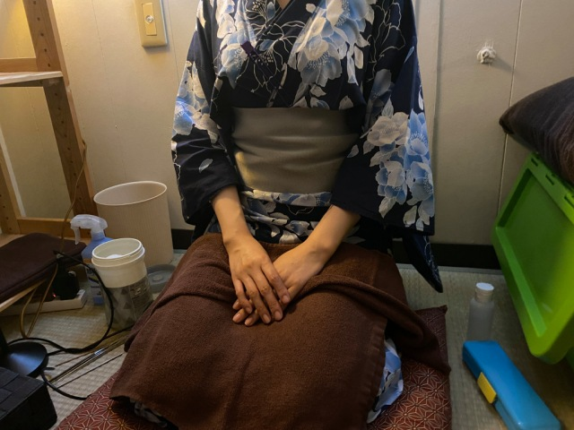 Japan's lap-pillow ear-cleaning salons aren't just for pervy guys, we find out