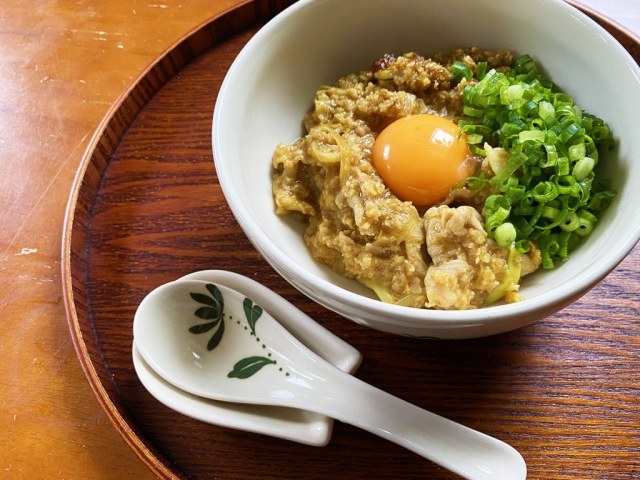 """How to make a """"curry rice bowl"""" using instant oatmeal instead of rice 【SoraKitchen】"""