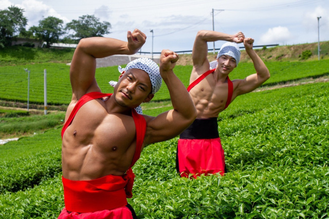 Muscly Japanese men fill stock photo site with hilarious poses in unusual settings