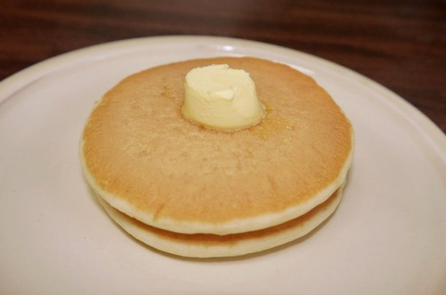 The most expensive pancakes we could find at 7-Eleven Japan are a delicious bargain【Taste test】