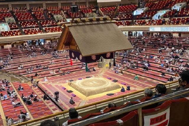 Sumo wrestler loses 104 matches in a row, retires as holder of longest professional slump