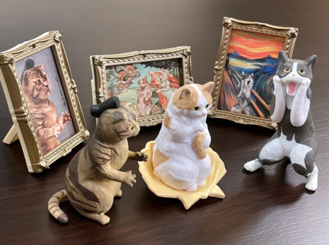 """Celebrate famous works of art AND cats with these adorably clever """"Cats in Art"""" capsule toys"""