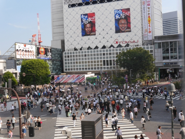Does the Shibuya Scramble Crossing overwhelm even Tokyo natives? We asked our reporters