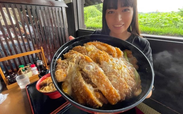 We tackle a titanic bowl of pork cutlet katsudon and (just about) live to tell the tale