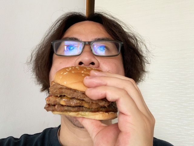 Is Burger King's Big Mouth Burger really as overwhelmingly meaty as promised? 【Taste test】