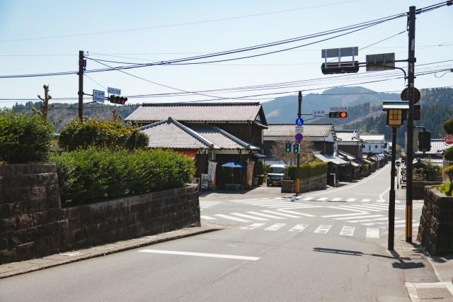 "Japanese police reminding drivers not to perform the illegal ""Ibaraki Dash"" maneuver"