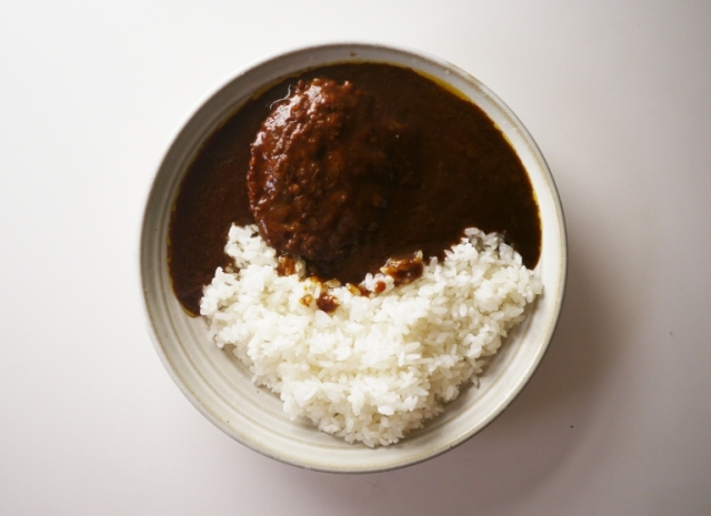 """Crazy expensive """"phantom beef"""" instant curry — Dream come true or edible nightmare?【Taste test】"""