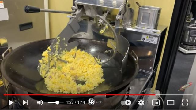 This Robo Chef will make you perfect fried rice without any need to lift a heavy wok