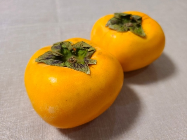Persimmons are best served roasted? We try out a surprising expert recommendation【SoraKitchen】